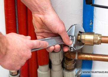 Уплотнение канализационных и водопроводных труб, герметизация стыков и обзор герметиков