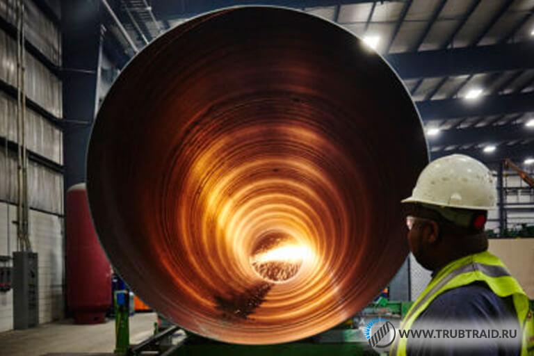Трубы на производстве