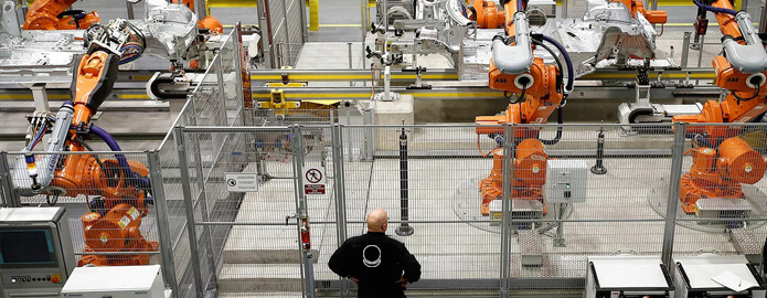 роботы на производстве труб