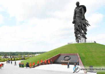 Новый трубный каркас для  памятника Советскому солдату во Ржеве